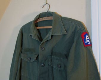 vintage US Army shirt 5th Army A5 patch 60s Army Shirt Olive Green Cotton Sateen Vintage Army Utility shirt US Military fatigue shirt  L XL