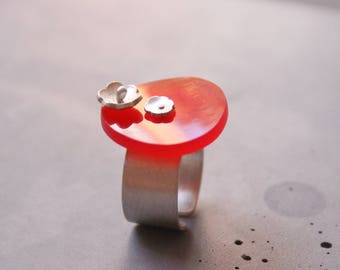 Sterling Silver Ring with Flower and Red Plexi Glass, Adjustable Silver Ring, Statement Ring, Contemporary Jewelry