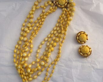 Sunny yellow sunflower textured Lily sunshine vintage jewelry set beads clip on earrings