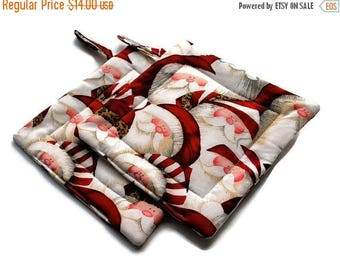 July Sale Santa Claus Pot Holders Christmas set of 2 Quilted Red White