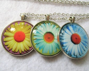 Set of 3 Cabochon PENDANTS with Necklace *** Colorful DAISIES