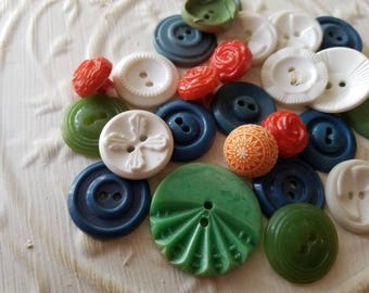 Vintage Buttons - Cottage chic mix of orange, blue, green and white lot of 25 old and sweet(jun 451 17)