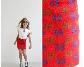 ANNIVERSARY SALE 1960s Crimson Floral Mini Skirt /// Size 3t to 5t