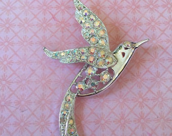 Signed Sarah Coventry Vintage Rhinestone Silver Tone Bird Swallow in flight Hummimgbird Brooch Pin Great Stocking Stuffer