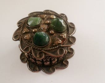Little vintage box - Silver Metal Box and green stones - Vintage Box from Egypt - Vintage Ring Box