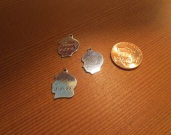 Lot of 3 mini sterling silver head charms / 1 girl 2 boys / engraved 1960s /