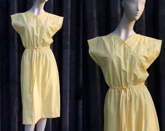 Vintage 1970's JC PENNY Yellow Cap Sleeve Cotton Embroidered Elastic Waist Over the Knee Length Woman's Retro Dress