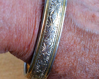 Etched Gold tone Bangle Bracelet, Vintage, Floral