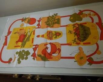 Vintage  Kitchen Towel Fall Vegetable Pattern Dish Towel  Linen Fallani & Cohn  1970 Era