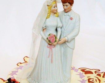 Vintage Music Box  Bride and Groom Large Cake Topper 8 Inch Wedding Musical Table Bridal Shower Decoration Lefton China 1989 Centerpiece