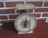 Vintage Old Metal Farmhouse Kitchen Counter Scale