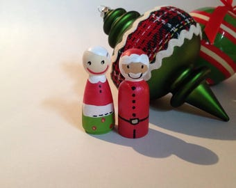 Christmas and Holiday Wood Peg People: Santa, Mrs. Claus, Gingerbread, Snowmen and Elves