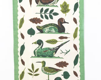 Vintage Tea Towel Ducks Decoys Wooden Figurines NOS New Old Stock Leacock Prints