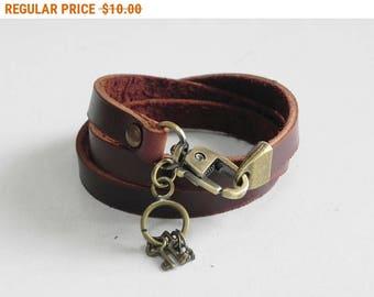 Leather Bracelet Women Bracelet Leather Cuff Bracelet Leather Charm bracelet in Brown Color with Metal Key Charm