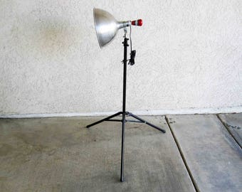 Vintage Photography Lamp with Telescoping Tripod Base. Circa 1960's.