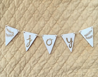 Wood Pennant Banner Christmas Decor - Joy, Believe, Merry, Faith, Hope, Love - Mantle Holiday Decoration - White & Gold Rustic Country Style