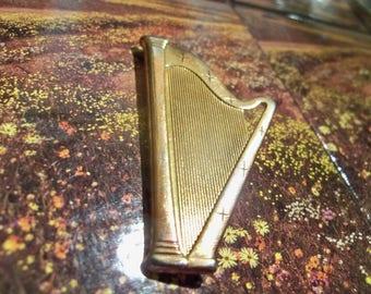 vintage harp brooch pin brassy