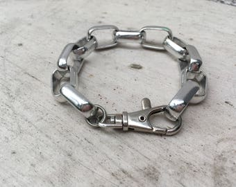 Silver tone chunky chain bracelet with hook clasp