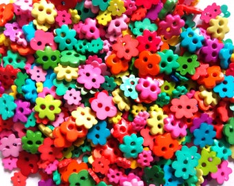 100 pcs Mix flower buttons Mix size