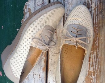 SUMMER SALE Oxford Shoes Saddle Shoes, Brogue,  Hipster Size US 8 / Euro 38.5 Uk 5.5 Womens Neutral Shoes, Lace Up Flats, Preppy Dress Shoes