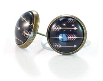 Arrow Stud Dome Earrings