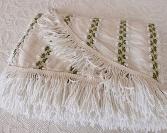 "Vintage Chenille Bedspread, Fieldcrest white with white rosebud chain, 72"" x 100"" - #800-157"