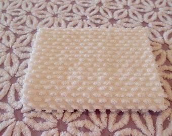 "Vintage Chenille Morgan Jones white oval scatter popcorn fabric piece, 18"" x 24"" - 300-82"