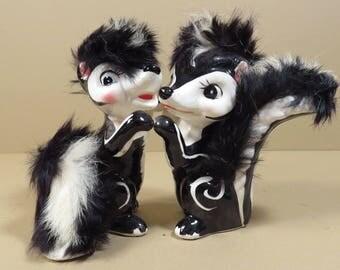 Pair Kissing Hugging Skunk Figurines Vintage 1950s 1960s Mid Century Japan Ceramic Kitschy Dancing Collectible Skunks