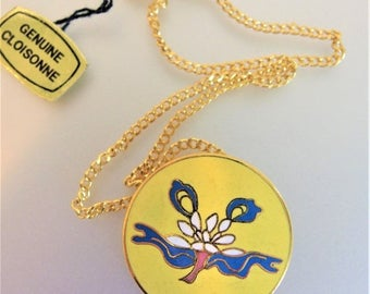 ON SALE Pretty Vintage 1980's Cloisonne Enamel Pendant Necklace
