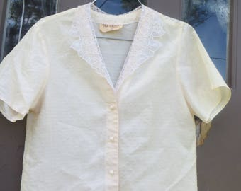 vintage womens sheer pink  w white lace collar  blouse by Tea Leaves  of California   sz   med