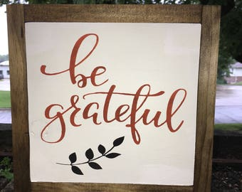 """Be Grateful Farmhouse Wood Sign Framed Home Decor Wood Sign Fall Autumn Thanksgiving Decor-Rustic Country Wood Sign, 9"""" x 9"""", DAWNSPAINTING"""
