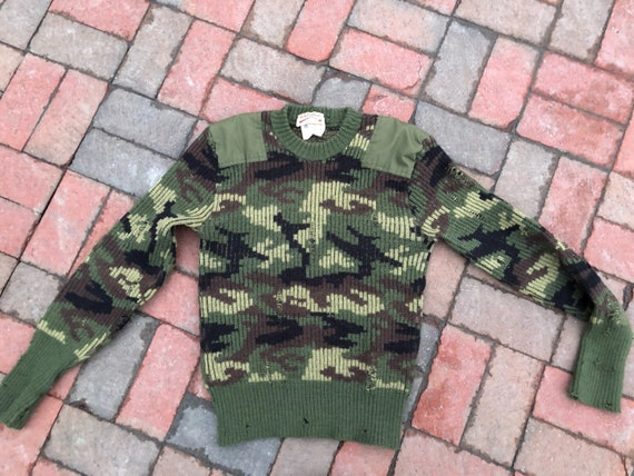 vintage Cabela's Barbour camoflage wool commando sweater, men's small