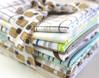 Vintage Reclaimed Bed Sheet Fabric Fat Quarters - Mixed Retro Geometric - set of 11