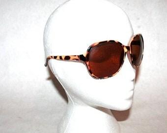 Moving Sale Saawwweeettt Oversized Leopard Print Sunglasses