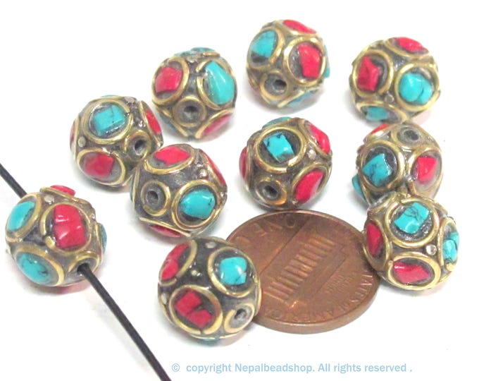 10 Beads - Ethnic Nepal beads  oval shape brass circles design with turquoise coral inlay  - BD837K