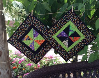 "QUILTED HALLOWEEN TABLEMAT, 12.5"" Square, Quilted Table Topper, Pinwheel Quilt,  Scrappy Quilt, Quilted Table Linen, Ready To Ship, Handmade"