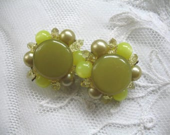 Vintage Cluster Beaded Earrings ~ Clip On ~ 2 Tone Olive Plastic Beads