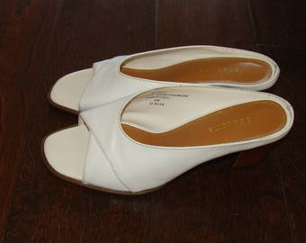 Liz Claiborne Off White Mule Twinkle 2 Open Toe Shoes Vintage Slip On Heels Wood Leather Size 6