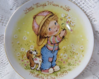 Mother's Day Plate Vintage from the 1980's Little Things Mean A Lot