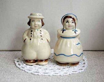 Shawnee Pottery Dutch Boy Girl Shakers, Salt, Pepper, Farmhouse Table Decor, Ceramic Figurines, Vintage 1940s, Kitchen Dining, Jack and Jill