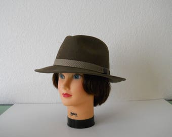 Vintage  Country Gentlemen's / Indiana Jones  Hat by Dorfman Pacific /  Fedora / Rare /  Milk Chocolate Brown / Large /  WPL5923