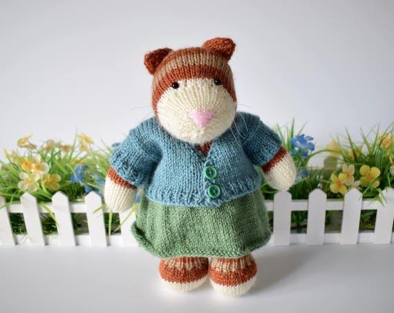 Tabby cat toy knitting pattern