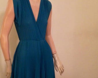 Teal Pleated Sleeveless Dress by Jody of California Small