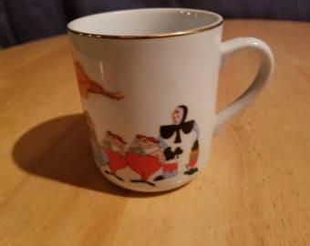 Vintage Disney Alice in Wonderland Coffee Cup