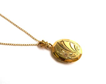 Vintage Victorian 12K Rose Gold Filled Oval Locket Chain Necklace - Etched Flower Design - Engraveable Back - Small Petite - Signed WH