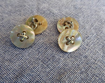 Round mother of pearl cuff links, X detail, 1 set