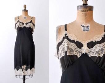 50 black slip. large. 1950's lace lingerie. Cream floral lacy negligee. L.