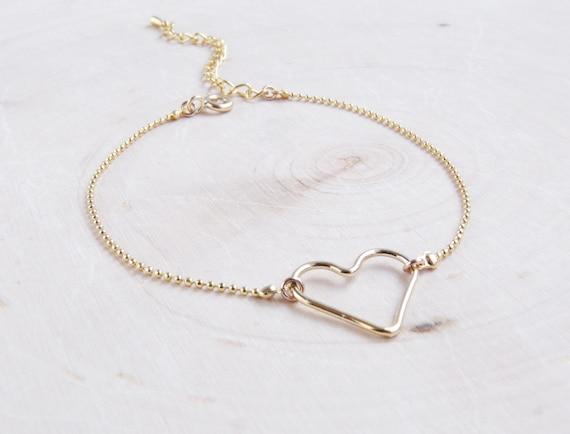 Dainty Gold Heart Bracelet