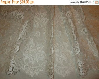 ON SALE Light Ivory Floral Design SIlky Chantilly Lace Fabric--One Yard
