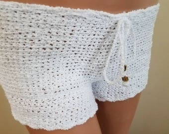 Lady's crochet white cotton shorts